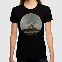 Iceland Kirkjufell Mountain T-shirt