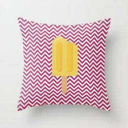 Sorvete 3 Throw Pillow