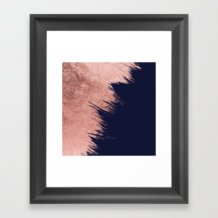 Navy blue abstract faux rose gold brushstrokes Gerahmter Kunstdruck