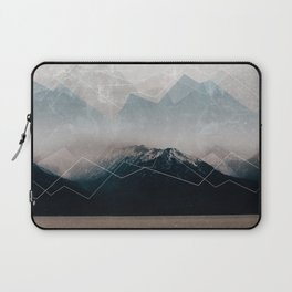When Winter comes Laptop Sleeve