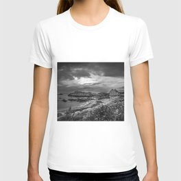 Balintoy Harbour, Ireland T-shirt