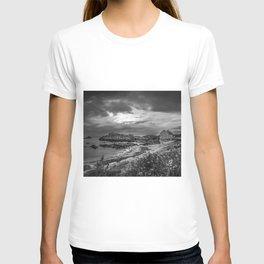 Balintoy Harbour, Ireland T-shirt