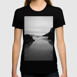 Kynance Cove in Black and White T-shirt