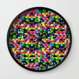 Triángulos de Colores Wall Clock