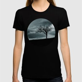 Alone tree before the storm T-shirt