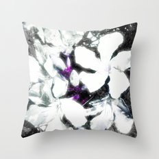 NUDA DI BIANCO Throw Pillow