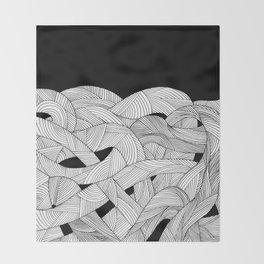 The tangled sea Throw Blanket