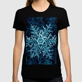 Snowflake - HIGH T-shirt