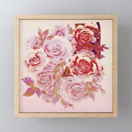 composition florale en rose Framed Mini Art Print