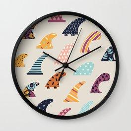 Single fin Wall Clock