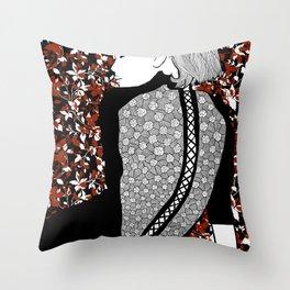La femme 16 Throw Pillow