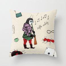 Joueuse de Fusil Throw Pillow