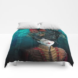 Queen of the Wild Frontier Comforters