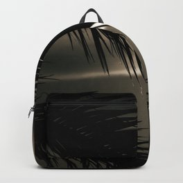 Take a look - nature photography - Backpack