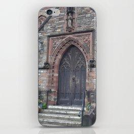 Doorway of Eglwys y Plwyf Santes Elli - Llanelli, Wales iPhone Skin