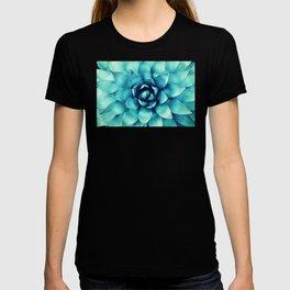 Macro Turquoise Plant T-shirt