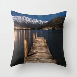 New-Zealand Throw Pillow