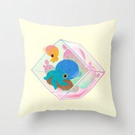 Ocean terrarium - Bobtail squids Throw Pillow