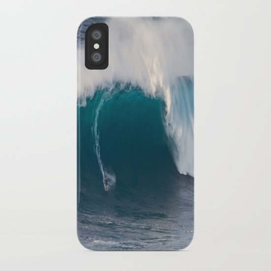 """Surfing """"Jaws"""" (Pe'ahi) iPhone Case"""