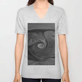 Heart by Lu, black-and-white Unisex V-Neck