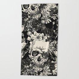 SKULLS HALLOWEEN SKULL Beach Towel