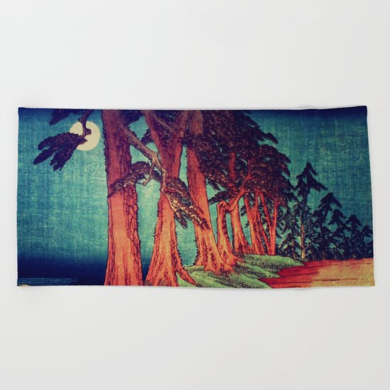 Midnight on the path towards Kanama Beach Towel