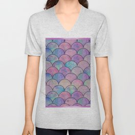 Informe Abstracta Pink Fish Scale Pattern Scallop Abstract Design Unisex V-Neck