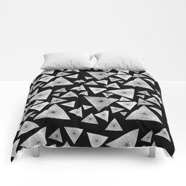 Pyramid I Comforters