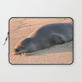 """""""Monk Seal on Poipo Beach"""" Photography by Willowcatdesigns Laptop Sleeve"""