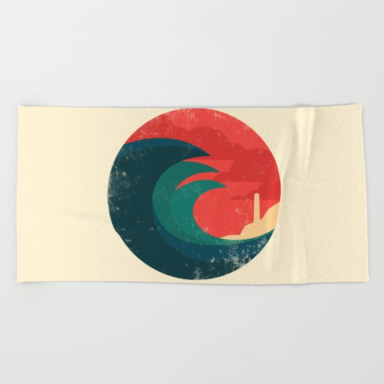 The wild ocean Beach Towel