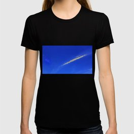 Flash of gold in the sky T-shirt