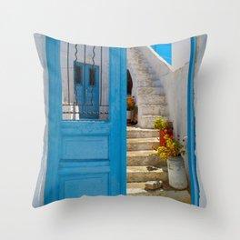 Island house xi Throw Pillow