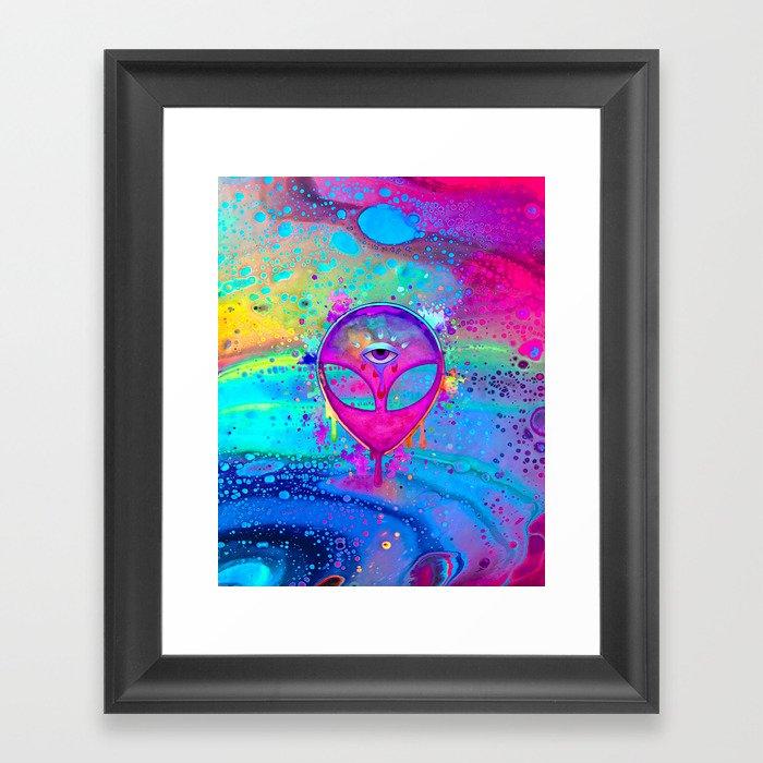 Alien Melt - pink Gerahmter Kunstdruck