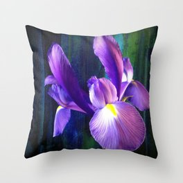 Iris - iPhoneography Throw Pillow