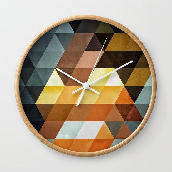 gyld^pyrymyd Wall Clock