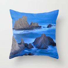 Blue sunset at the singing Mermaid Reef Throw Pillow