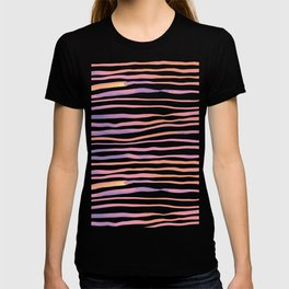 Irregular watercolor lines - pastel pink and ultraviolet T-shirt