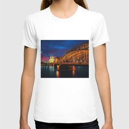 That Night on the River Rhine in Cologne by Jeanpaul Ferro T-shirt