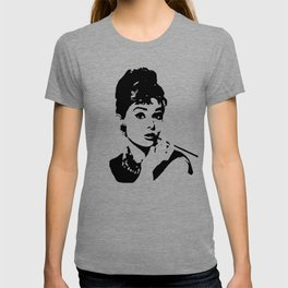 AUDREY THE 1960's FASHION ICON AND MOVIE STAR GIFT WRAPPED FOR YOU BY MONOFACES  T-shirt