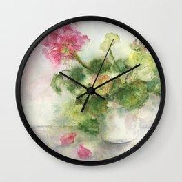 Beaux Geraniums Roses Wall Clock