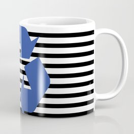 Blue Recycle Logo - Symbol on a black lines pattern Coffee Mug