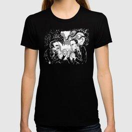 Poe vs. Lovecraft T-shirt