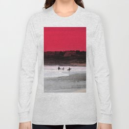 Surfers under a red sunset Long Sleeve T-shirt