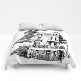 Fantasy of Saint Denis and Roy Comforters