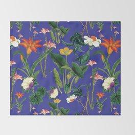 Vintage wild flowers blue Throw Blanket