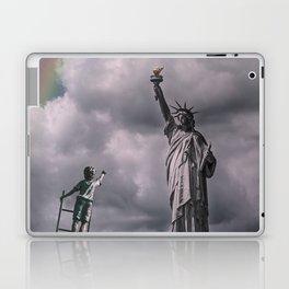 Statues of liberty Laptop & iPad Skin