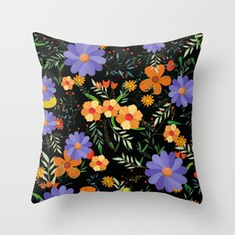 Vintage purple daisy flower pattern Throw Pillow