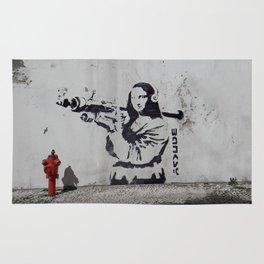 mona lisa - banksy Rug
