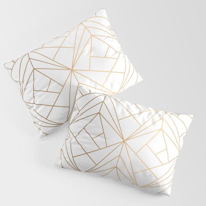 Geometric Gold Pattern With White Shimmer Kissenbezug