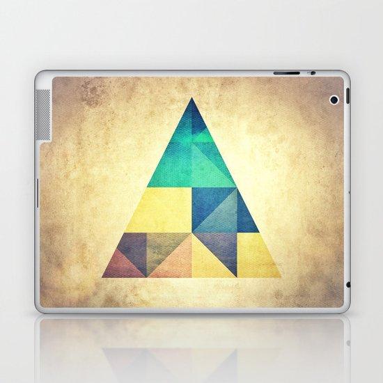 ancyynt gyomytry Laptop & iPad Skin